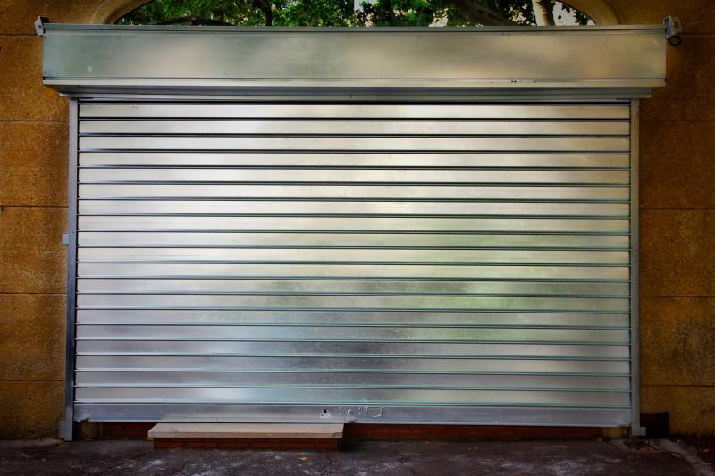 rideau fermé métallique